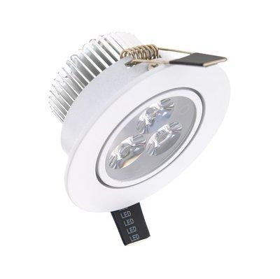 Niet dimbaar LED inbouwspot 3 watt in witte uitvoering en kantelbaar, geeft warm wit licht