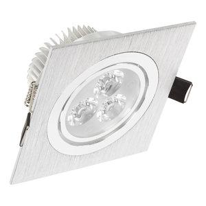 Niet dimbare vierkante LED inbouwspot van 3 watt in zilver is kantelbaar en geeft mooi warm wit licht